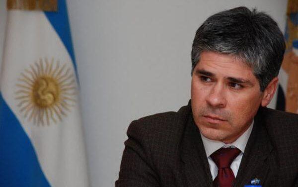 El nuevo titular de YPF: Ex vice gobernador de Santa Cruz, Abogado de la UNLP y diplomado en hidrocarburos