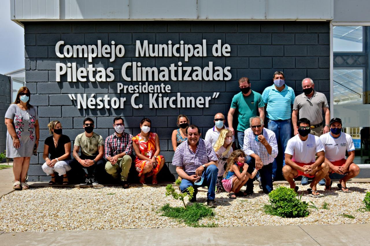 """Benito Juárez / El moderno complejo de piletas climatizadas municipal fue bautizado con el nombre de """"Presidente Néstor Kirchner"""""""