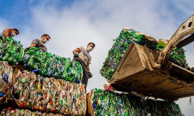 """""""Las Flores recicla"""": la comuna vendió 17 mil kilos de material recuperado"""
