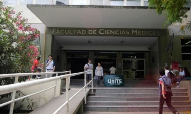 Estudiantes de Medicina de la UNLP se movilizan por la implementación de prácticas en la facultad