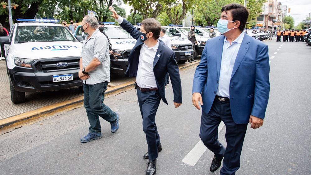 """Kicillof, Berni y Espinoza presentaron patrulleros y efectivos en La Matanza: """"Hacía 5 años que no sumábamos tantos policías"""""""