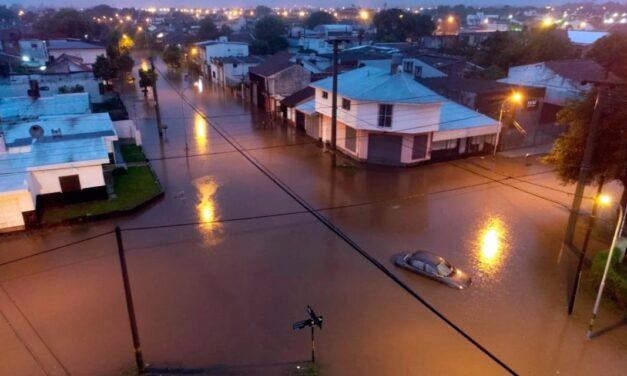 Un fuerte temporal en Mar del Plata dejó varios barrios inundados