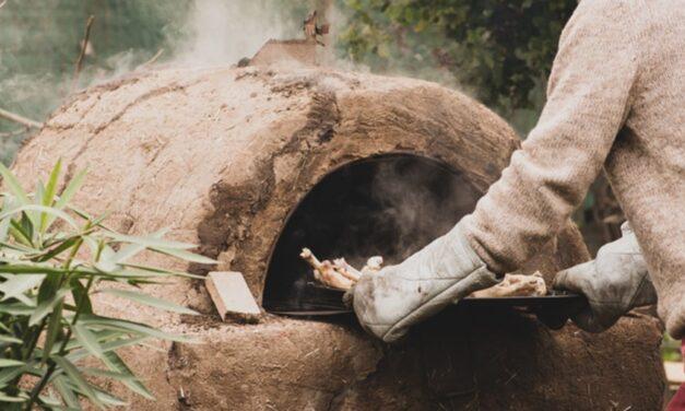 Online y gratuito: el INTA enseña a construir hornos de barro y estufas a leña de alta eficiencia