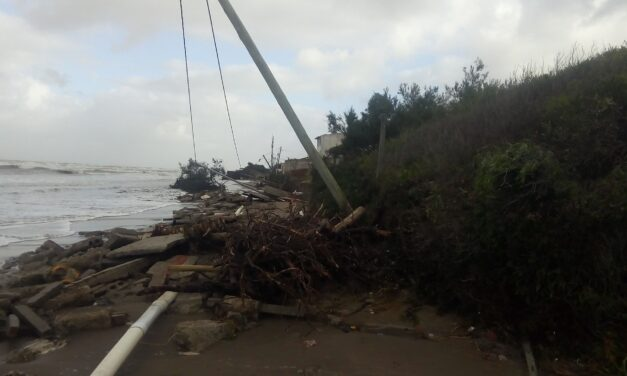 """El intendente de La Costa dijo que fue """"una de las peores sudestadas de la historia"""" y le llovieron las críticas"""