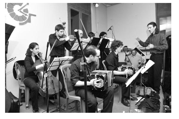 """El Tangazo del fin de semana: la orquesta típica """"la sacada"""" en la nueva movida milonguera"""