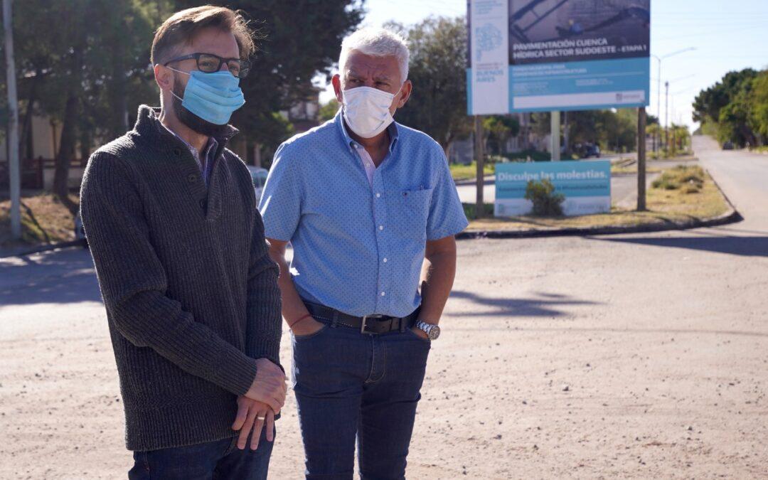 Simone y Dichiara visitaron el complejo de 30 viviendas que se ejecuta en Monte Hermoso
