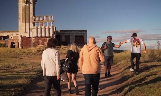 """""""Los Fundamentalistas del Aire Acondicionado"""" darán un show por streaming desde las ruinas de Villa Epecuén"""