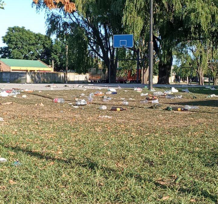 A pesar de la segunda ola, en Pehuajó hicieron una fiesta en el playón de una plaza