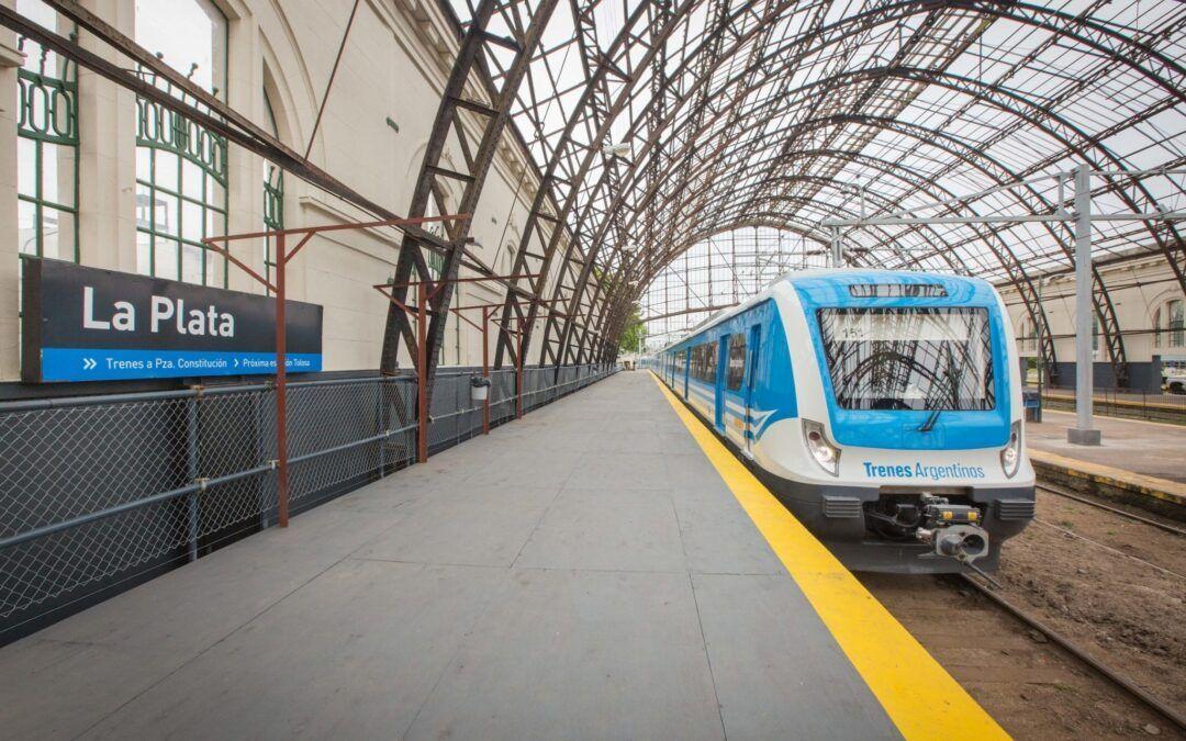 Después de casi 4 años a la intemperie, comienza la colocación de un nuevo techo en la Estación de Trenes de La Plata