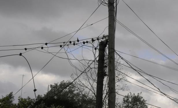 Fallo cuestionable en Junín: Condenan a un usuario por conectarse clandestinamente a la luz