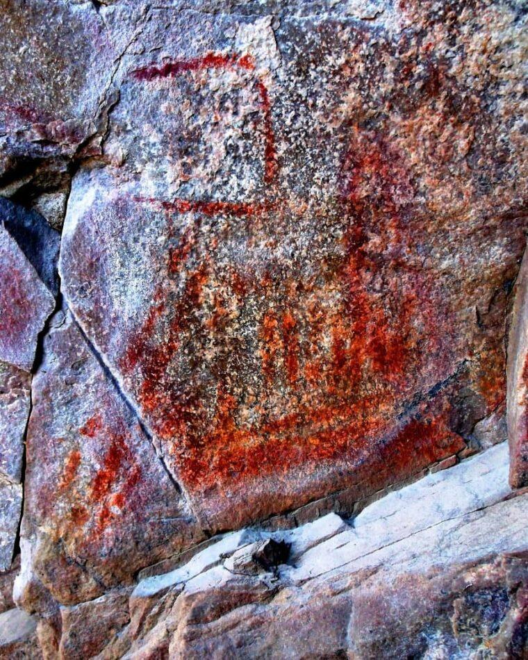 Hallaron artes rupestres en Sierras Grandes partido de Tornquist