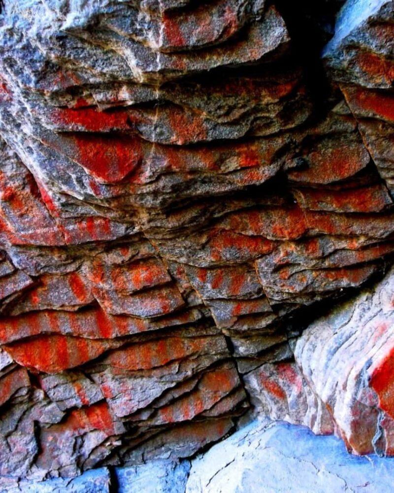 hallaron representaciones rupestres en Sierra Grande, Tornquist