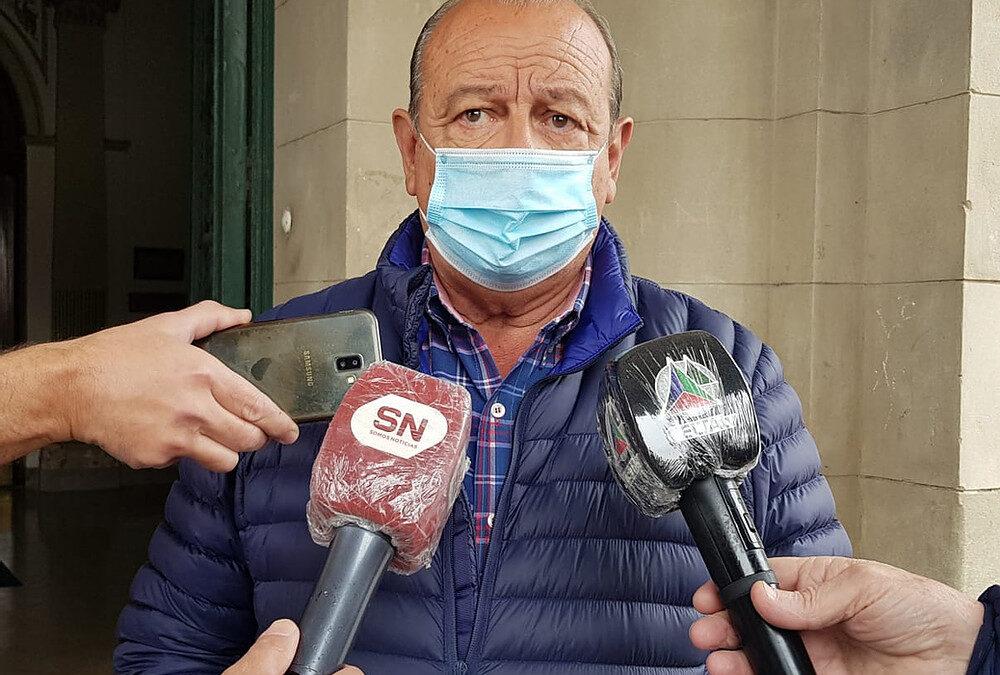 """Tres Arroyos también baja a Fase 2: """"Se va a empezar a morir gente en las casas"""", alertó su intendente"""