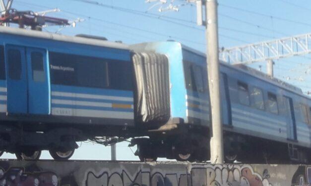 Video: una formación del Tren Roca descarriló en La Plata