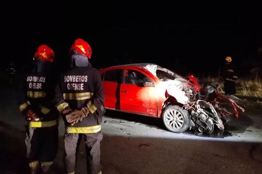 Milagro: impactó contra tres vacas en la ruta N° 72, destruyó su auto y solo se fisuró una mano