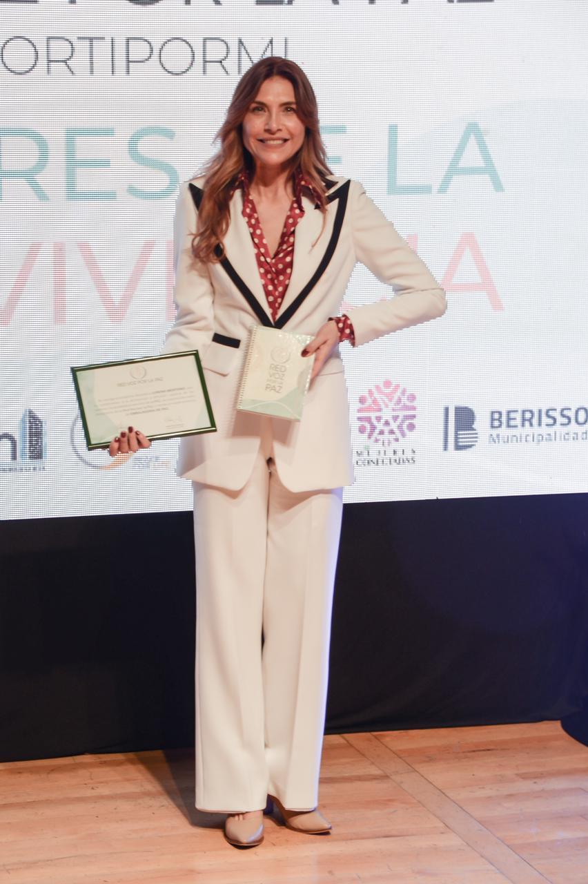 Lorena Meritano fue nombrada como Embajadora de Paz