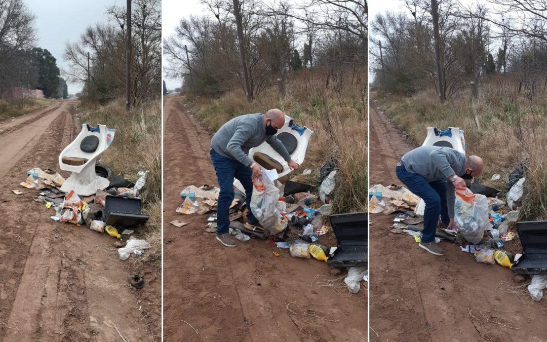 """El intendente de Pehuajó encontró basura en un camino, revolvió y encontró al culpable: """"No voy a parar hasta que…"""""""