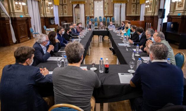 Kicillof se reunió con intendentes de la primera sección electoral