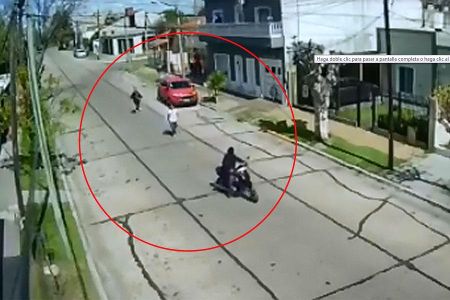 VIDEO: una mujer se defendió a trompadas y puso en fuga a motochorros en Berazategui
