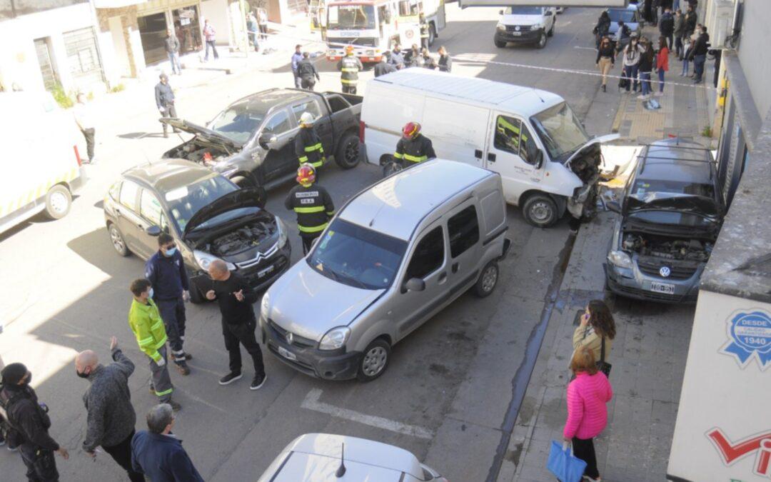 Empresario acusado por varios accidentes, generó un grave choque múltiple y, por fin, le sacaron el carnet