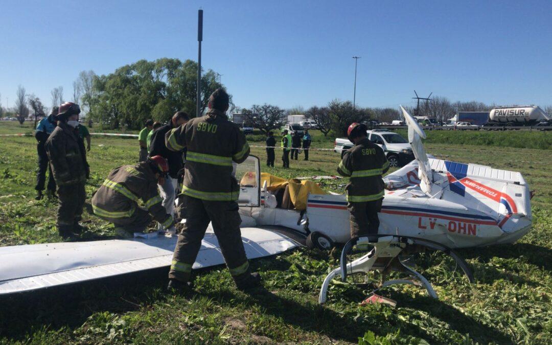 Cayó una avioneta a metros de la Autopista La Plata – Buenos Aires y fallecieron sus dos tripulantes