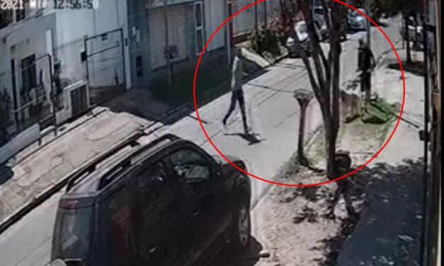 VIDEO.- Jubilado quiso apuñalar con un machete a un joven en La Matanza por no querer bajar la música