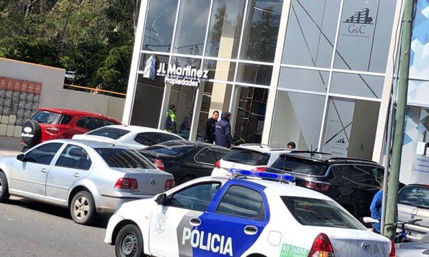 Un conocido martillero de Villa Gesell murió en Pinamar al caer desde un andamio de 4 metros