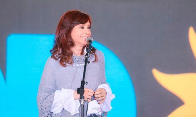 """""""Tomá mate con chocolate"""", la frase de Cristina sobre el departamento de Vidal en un cierre de campaña encendido"""