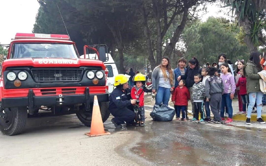 En Las Toninas amenazan con desalojar a más de la mitad del pueblo y podrían quedar en la calle hasta los Bomberos y la Policía