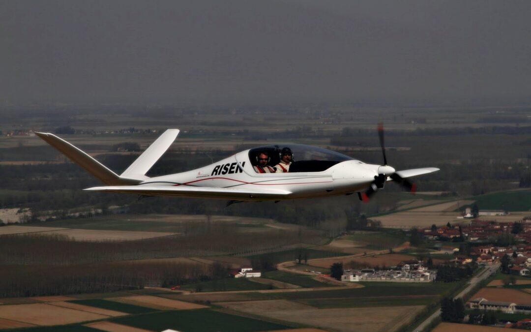 """Un bonaerense radicado en Italia fabrica el mejor avión ultraliviano del mundo: """"Empecé de cero en el garaje de mi casa"""""""